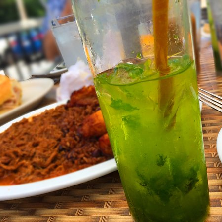 Burtonsville, MD: Mojito with lots of mint leaves