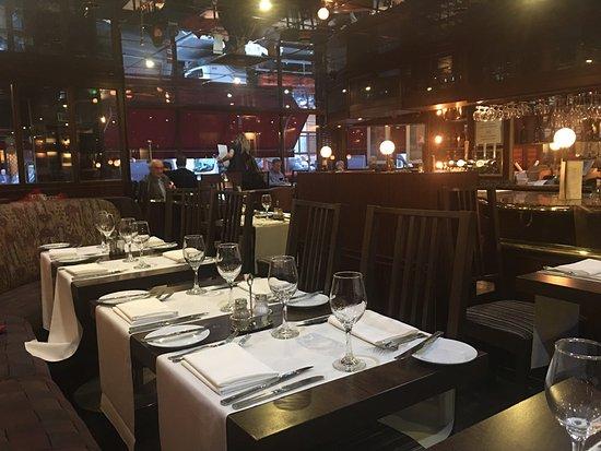Wolfe's Bar & Grill: photo2.jpg