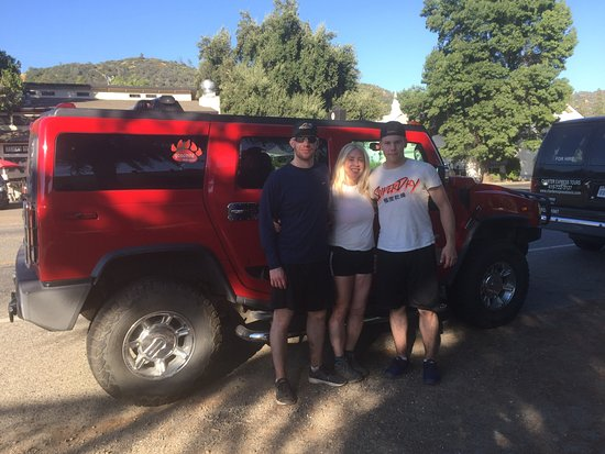 Oakhurst, CA: Crossroads Tours Private Hummer Tour. It's the way to do it!!! Tired but happy hikers.