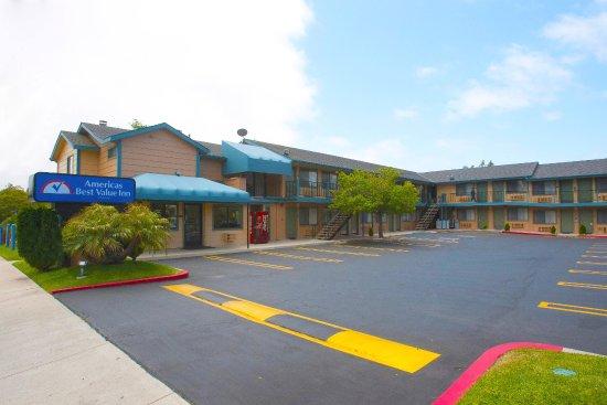 Americas Best Value Inn & Suites : Exterior