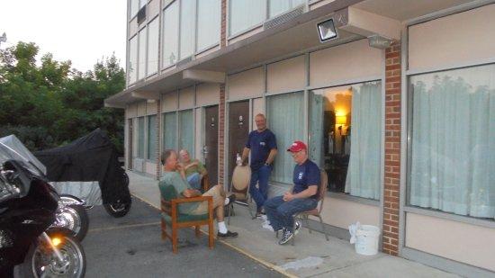 Marion, VA: good neighbors!!!