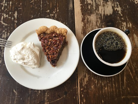 Bittersweet Chocolate Pecan Pie with Coffee - صورة ‪Four ...