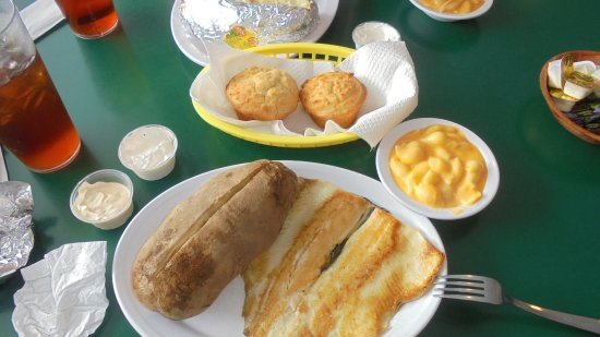 The Maggie Valley Restaurant: trout and boulder tader