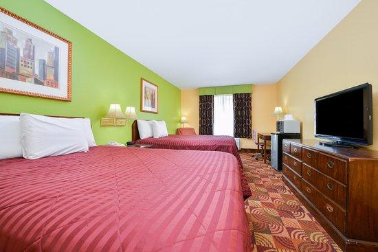 Eldon, MO: Two Queen Beds