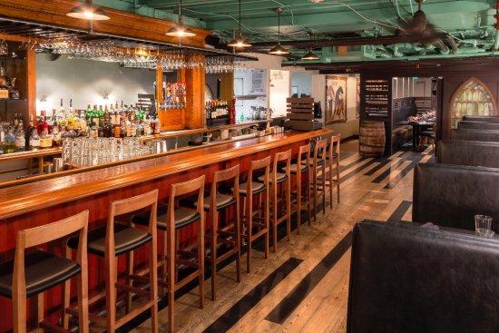 Bar russell 39 s smokehouse tripadvisor for Food bar russell