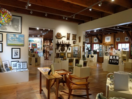 Olga, WA: Gallery Room 1