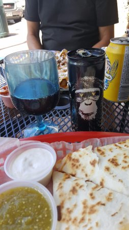 Nini's Taqueria: veggie quesadilla, wine and beer and nachos!