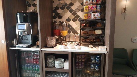 Hilton Naples: La patisserie del desayuno es excelente