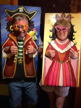 Martinsburg, WV: Photo booth Pirate and Queen