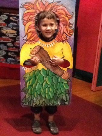 Martinsburg, WV: Photo booth Cave kid