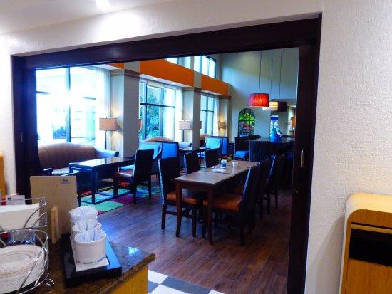 Hampton Inn & Suites by Hilton San Jose Airport: Breakfast