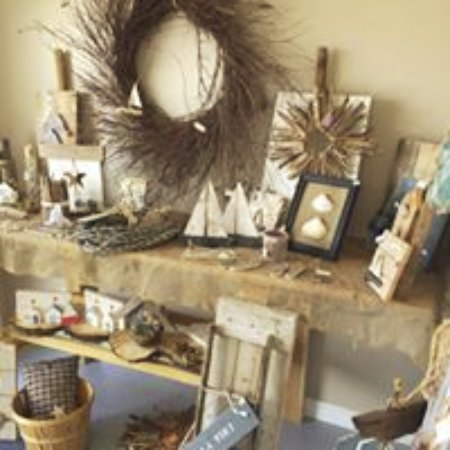 Bits and pieces rustic barnwood and driftwood decor for Craft bits and pieces