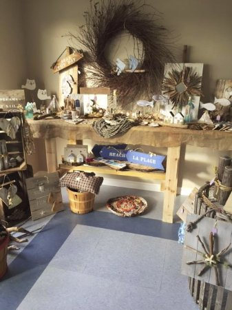 Shediac, Canada: Bits and Pieces.. Rustic barnwood and driftwood decor.
