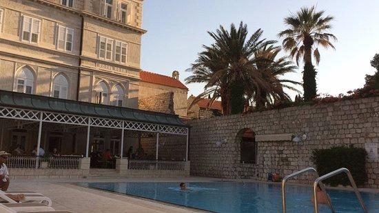 Hotel Lapad: piscina e varanda