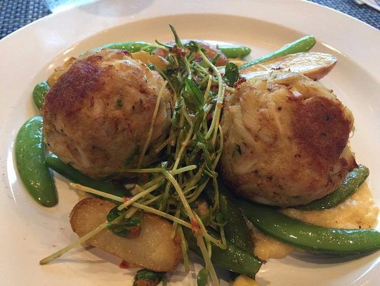 Jumbo Lump Crabcakes - Picture of Hooked, Ocean City ...