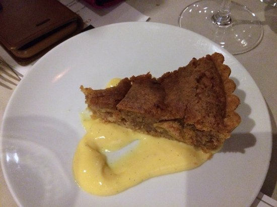 La Quercia: Apple tart with custar