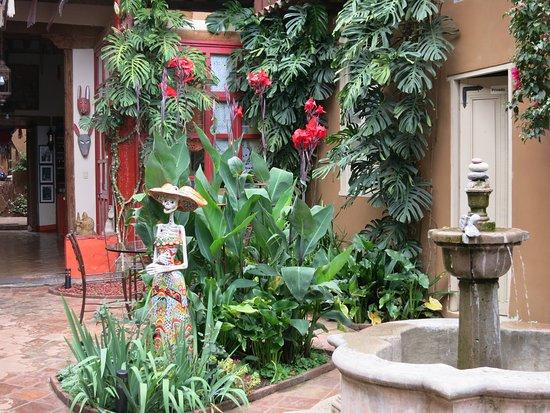 Hotel Casa Encantada: patio que l'on voit des chambres