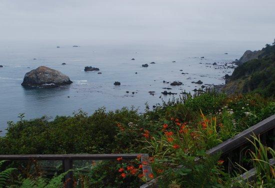 Turtle Rocks Inn: Spectacular view from the inn's gardens