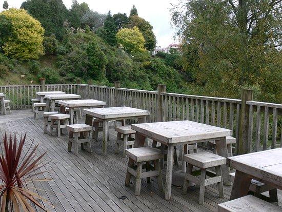 Kiwi Paka Waitomo : Deck area for the onsite cafe