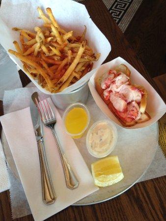 Mineola, NY: Lobster Roll
