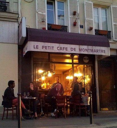 Le petit cafe de montmartre paris montmartre for Le miroir restaurant montmartre