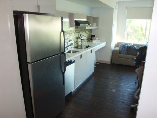 Lexington, MA: Full Kitchen
