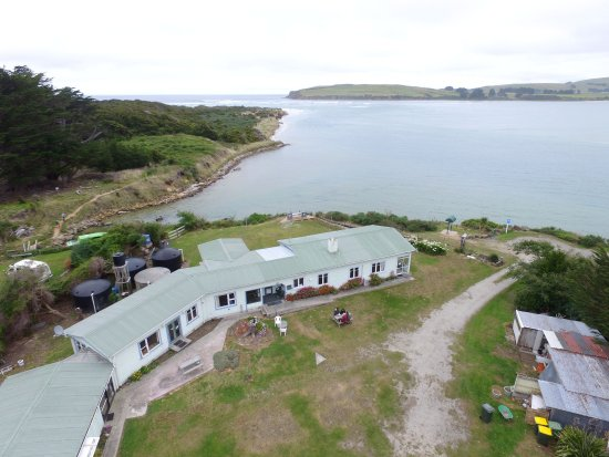 Surat Bay, New Zealand: Aireal view of the lodge