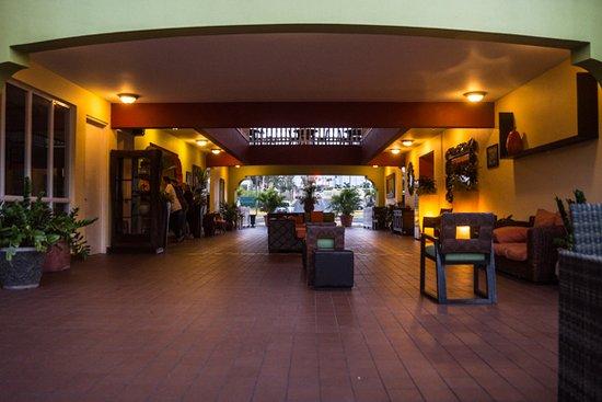 Hotel Punta Maracayo: Hotel Lobby