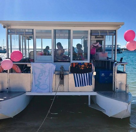 Gold Coast BBQ and Boat HireRental Birthday party celebration on