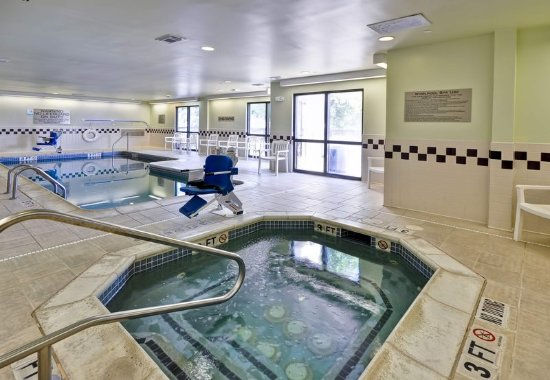 Round Rock, TX: Indoor Pool and Hot Tub