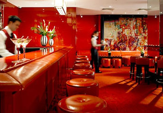 Grosvenor House, A JW Marriott Hotel : The Red Bar