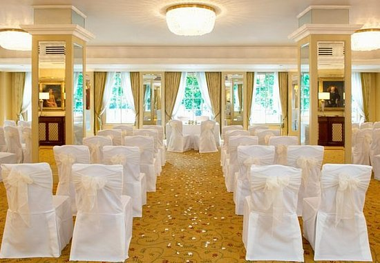 Grosvenor House, A JW Marriott Hotel : Wedding Ceremony Setup