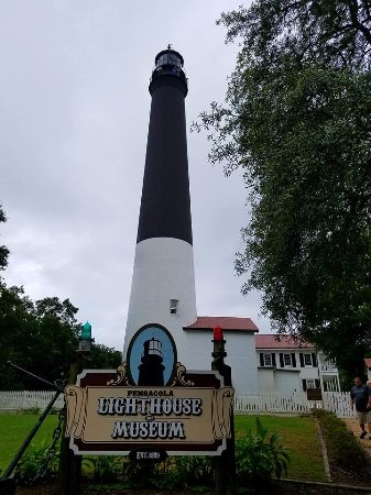 Pensacola Naval Air Station: lighthouse