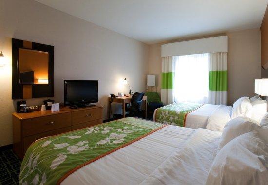 Fairfield Inn & Suites Houston Conroe Near The WoodlandsR: Queen/Queen Guest Room