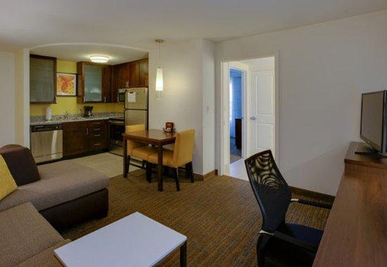 Residence Inn Springfield Chicopee: One-Bedroom Suite