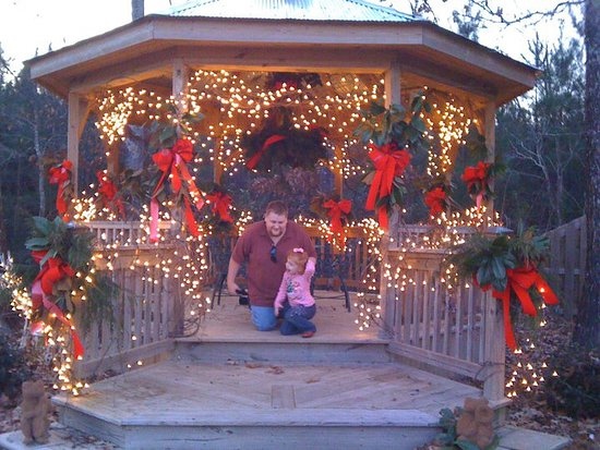 Bruce, MS: Gazebo and children enjoy the glory of Christmas cheer