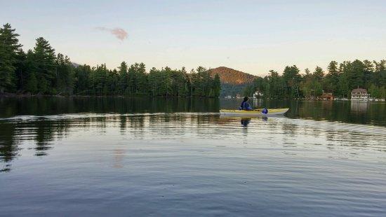 Wildwood on the Lake: kayaking on Paradox Bay