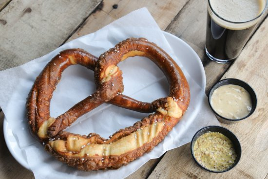 Frankenmuth Brewery: Jumbo Bavarian Pretzel Sprinkled with Salt served with Dubbel Cheese Sauce & our Oatmeal Stout!