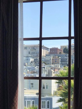 Cow Hollow Inn and Suites: Took this photo from the bed