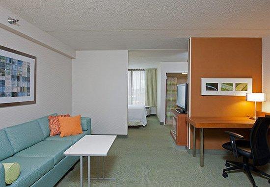 Warrenville, IL: Suite Sitting Area & Work Desk
