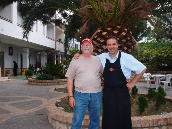 Morrisville, Pensilvania: Gino's best friend in Calabria Italy