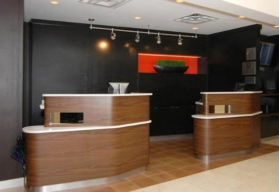 Irving, TX: Front Desk