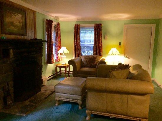 Cresco, PA: Mountain Retreat living room and fireplace
