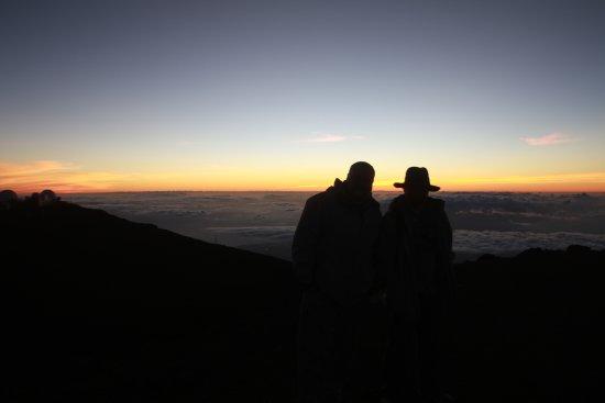 Maui Astronomy Tours: Sunset at Haleakala 10,090 feet above sea level