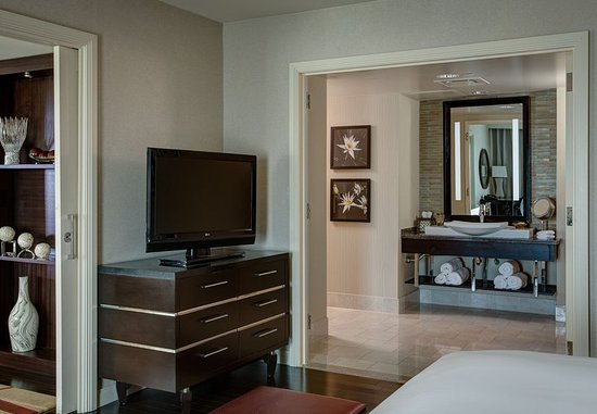 The Woodlands, TX: Presidential Suite Bedroom