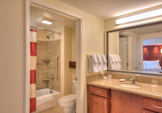 Yonkers, NY: One-Bedroom Suite Bathroom