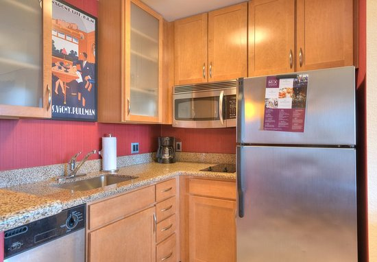 Yonkers, Estado de Nueva York: Studio Suite Kitchen
