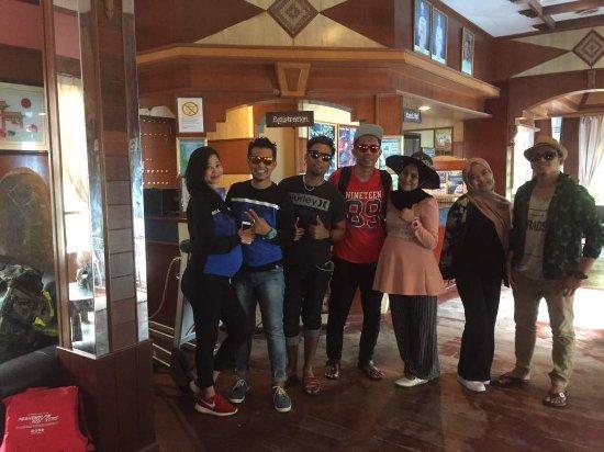 Shari-La Island Resort : at the lobby