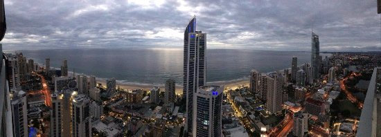 Mantra Circle on Cavill: panoramic view from balcony