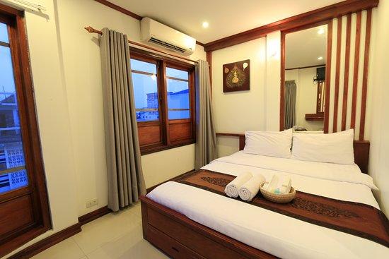 New Lao Silk Hotel: City View Room